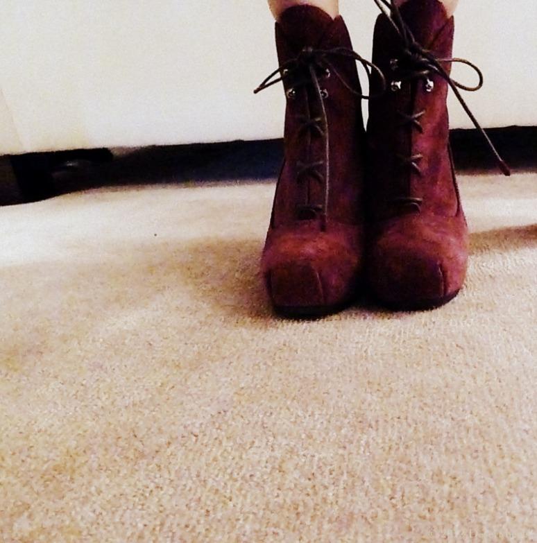 © 2012 Desert heels L1100025