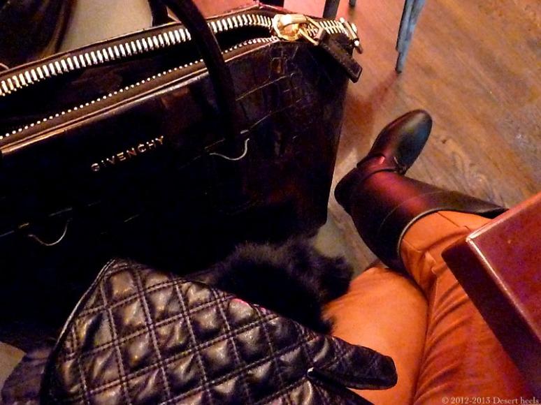 © 2012-2013 Desert heels L1100532