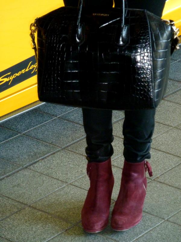 © 2012-2013 Desert heels L1110342